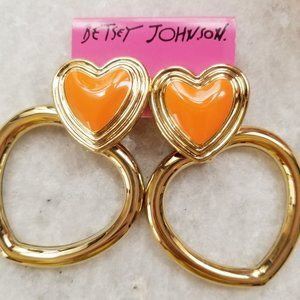 NWT Betsey Johnson Status Heart Clip On Earrings